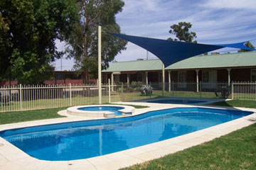 Carn Court Holiday Apartments Pool